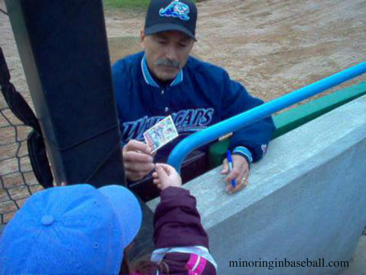 Brookens led the Whitecaps to the 2007 MWL Title, and still had time to sign a card for Lily!